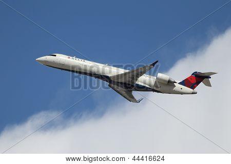 Delta Connection Bombardier Crj-701