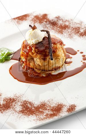 Dessert - Baked Apples with Caramel Sauce and Vanilla Stick