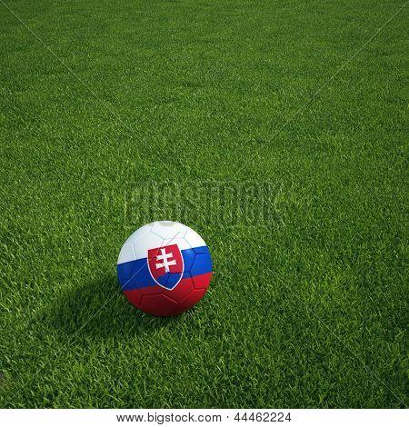 representación 3D de un balón de fútbol eslovaco tumbado en la hierba