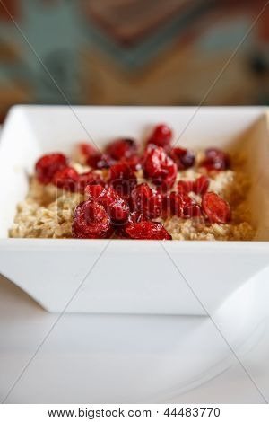 Oatmeal With Dried Cranberries