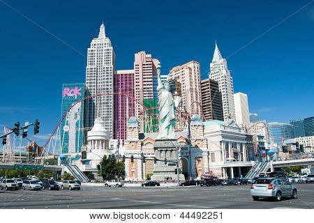 Replica Of The Statue Of Liberty In New York-new York On The Las Vegas Strip