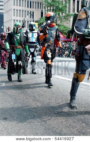 Star Wars Mandalorian Mercenaries Walk In Atlanta Dragon Con Parade