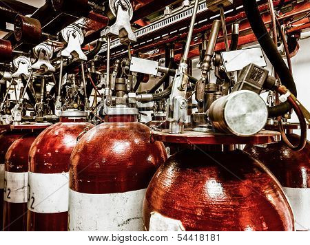 Large CO fire extinguishers