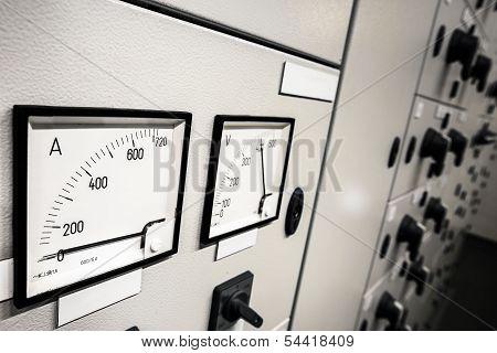 Electric amperage control