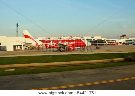 BANGKOK THAILAND - Nov21 - air asia plane parking on run way and preparing to flying at Don Muang
