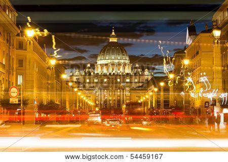 VATICAN - NOVEMBER 15 : Night photo of Vatican monument, November 15, 2013 in Rome, Italy
