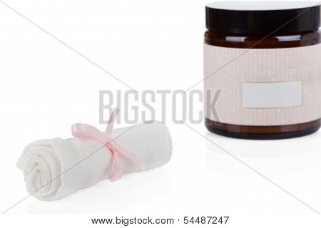 Cosmetics Set: Organic Muslin Cleansing Cloths And Organic Skincare Cream