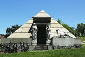 image of mausoleum  - BROOKLYN - JPG