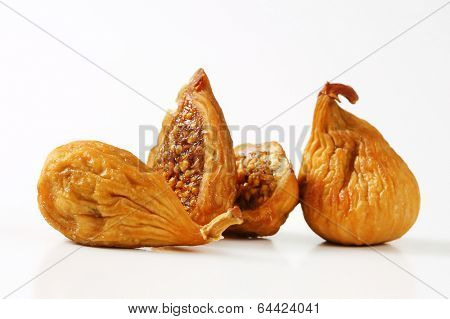 four pieces of naturally dried figs