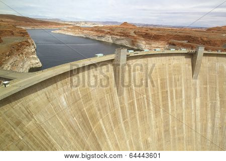 Glen Canyon Hydroelectric Dam forming Lake Powell