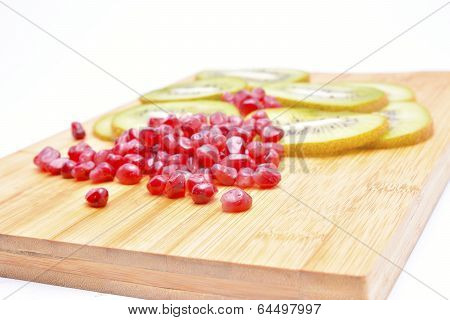 Pomegranade and kiwi