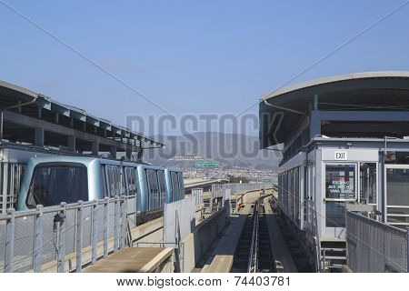 San Francisco International Airport AirTrain station