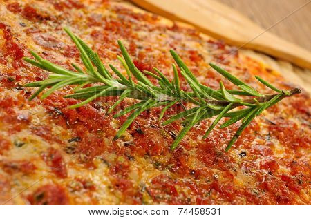 closeup of a barbecue pizza, with mozzarella, ground beef and barbecue sauce