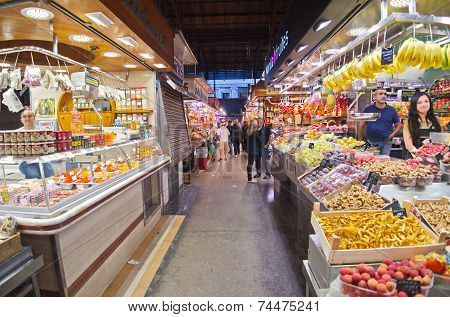 People Shopping In The Barcelona La Boqueria Market