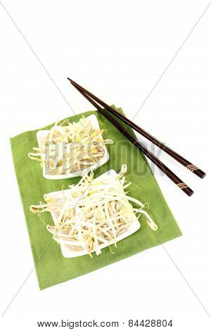 Fresh Bright Mung Bean Sprouts