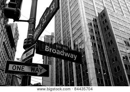 Broadway cross roads