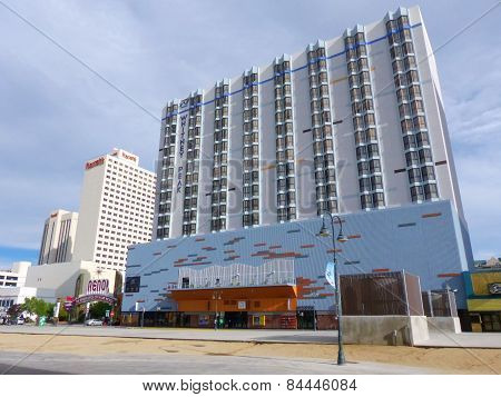 Reno, Usa - August 12: Apartment Building And Casinos On August 12, 2014 In Reno, Usa.  Reno Is The