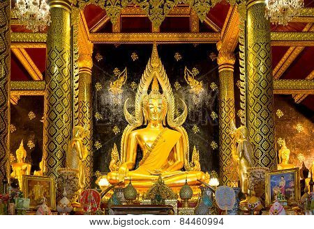 Wat Phra Mahathat in Phitsanulok most beautiful Buddha in Thailand,