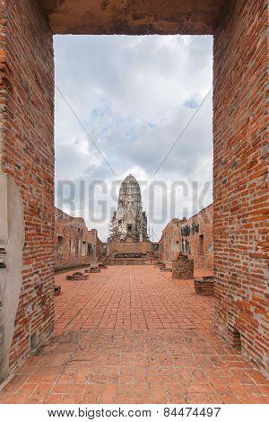 Wat Ratburana In Ayutthaya, Thailand.
