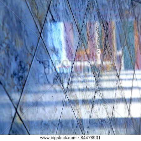 Abstract  Reflex