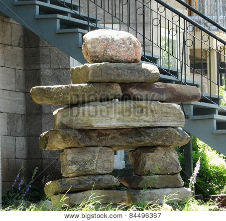 Quebec City Inukshuk bids welcome