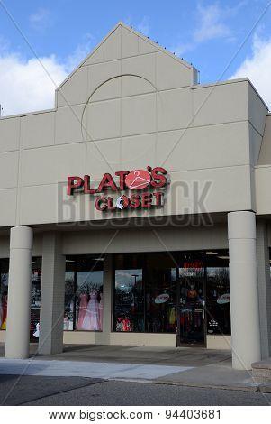 Plato's Closet Store