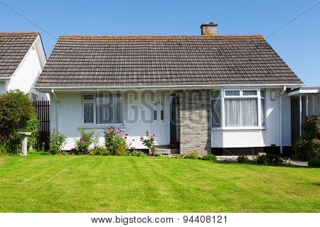 New English House with a Garden