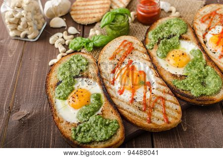 Vatiations Of Fried Eggs Inside Bread