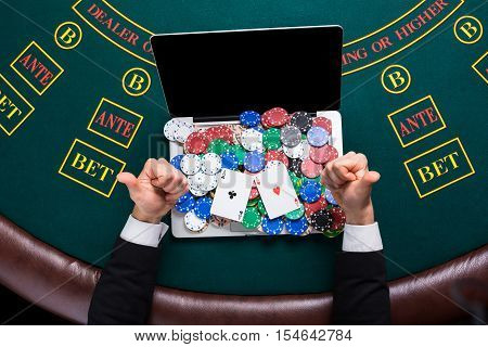 poker how to read peopes hands