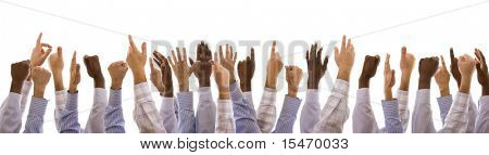 multirraciales manos gesticulando juntos (aislado en blanco)