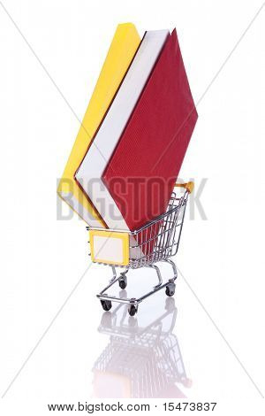 Stapel von Color Bücher und eine shopping Cart (isolated on White)