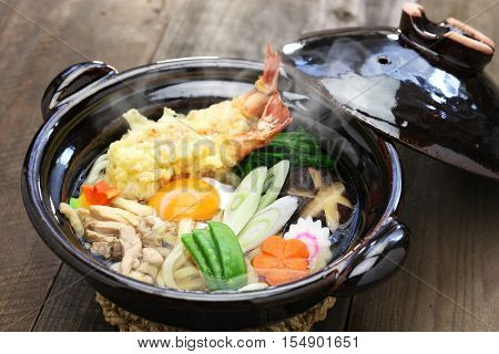 nabeyaki udon, japanese hot pot noodle