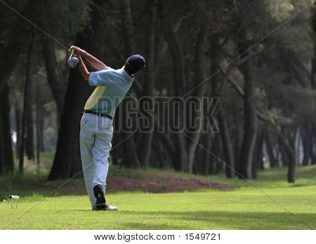 Golf Swing in Riva dei Tessali Golf Course, Italien