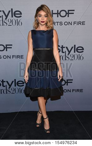 LOS ANGELES - OCT 24:  Sarah Hyland arrives to the InStyle Awards 2016 on October 24, 2016 in Hollywood, CA