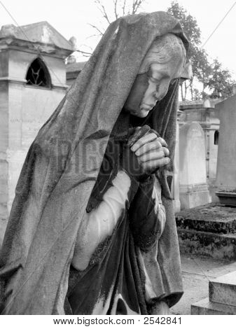 Praying Woman Funeral Statue