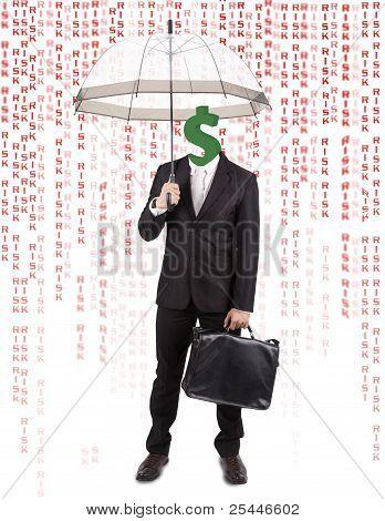 Una cabeza humana con dólar símbolo que lleva paraguas