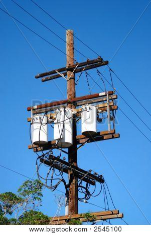 Electricidad veces tres