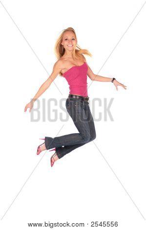 hübsches Mädchen springen