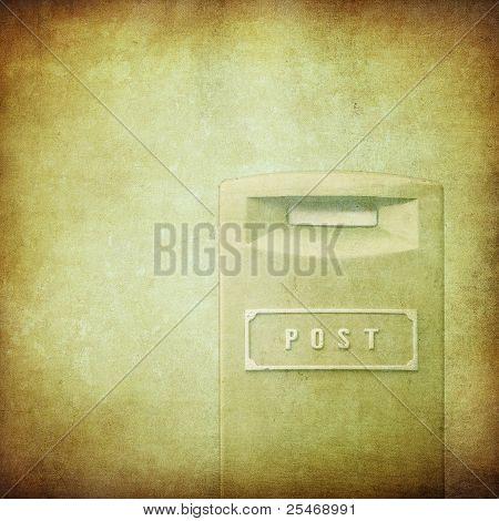 Gelbe Briefkasten über Grunge Hintergrund