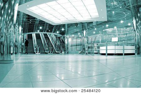 Escalator lobby