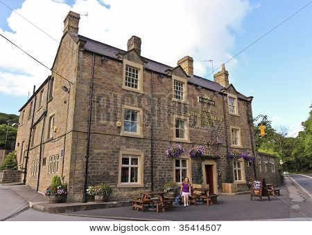 A Look At The Wheatsheaf Hotel, Baslow, England