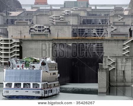 Three Gorges Dam In China