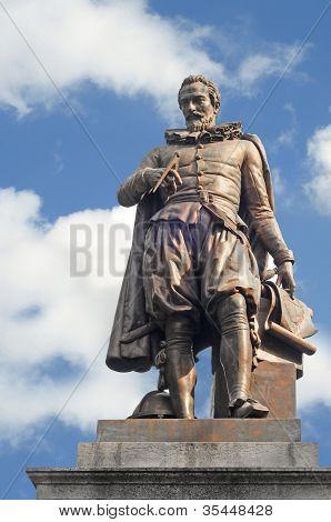 Statue of Simon Stevin, bruges