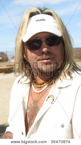 PALM SPRINGS - FEB 7: Vince Neil at the 15th Frank Sinatra Celebrity Invitational Golf Tournament at Desert Willow Golf Course on February 7, 2003 in Palm Springs, California