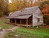 foto of log cabin  - preserved log cabin in tennessee - JPG