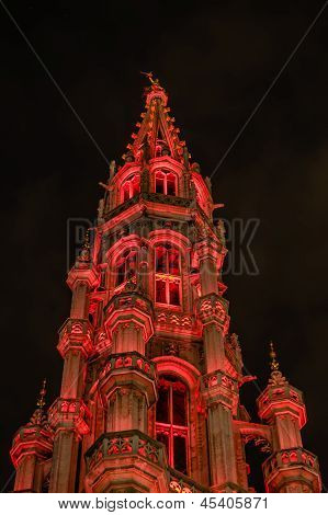 Night view of the Town Hall in Grand Place
