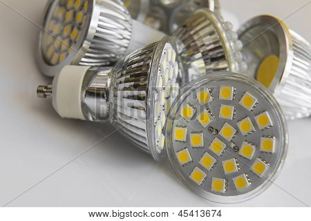 Led Bulb Gu10 With 3-chip Smd Warm White