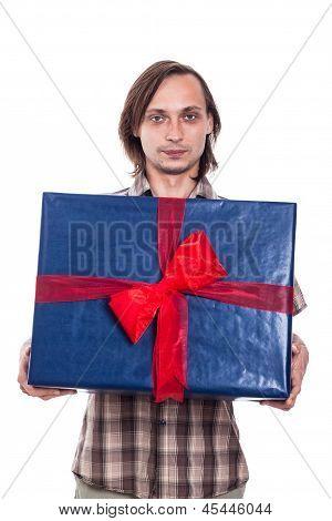 Mann mit großen Geschenk-Box