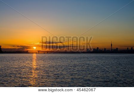Auckland City Sunrise silhueta