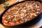 foto of cheesesteak  - Cheesesteak Pan pizza with Mozzarella Cheese in a large pan - JPG